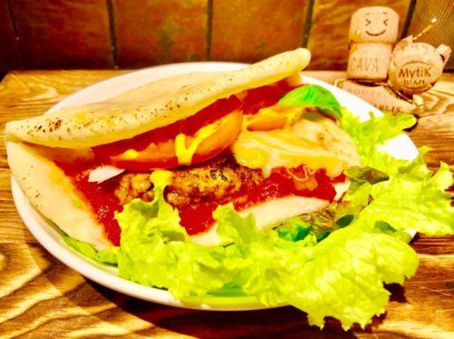 チーズバーガー(自家製ピザバーガー)